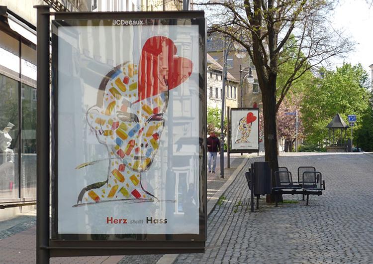 "Plakataktion ""Herz statt Hass"""